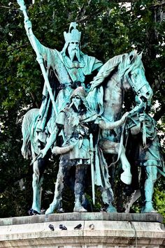 Holy Roman Emperor Charlemagne equestrian Statue in front of the Notre Dame Cathedral - Paris France