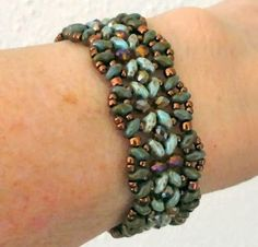 Linda's Crafty Inspirations: Bracelet of the Day: India Bracelet - Green Topaz Beaded Braclets, Beaded Bracelet Patterns, Seed Bead Bracelets, Seed Bead Jewelry, Jewelry Patterns, Beaded Jewelry, Seed Beads, Jewellery, Beading Patterns