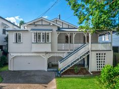The Ashgrovian style of Queenslander is famously known around Brisbane. It is distinction and utterly gorgeous and completely worthy of all the swooning! Exterior House Colors, Exterior Design, Queenslander House, Modern Shed, Beach House Plans, Old Houses, Farm Houses, Victorian Architecture, Australian Homes
