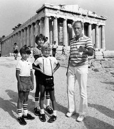 Prime Minister Pierre Trudeau and his three sons pose for a snapshot in front of the Parthenon on the Acropolis in Athens Aug. From left are Michel, Alexandre (Sacha), and Justin in rear. (Peter Bregg / THE CANADIAN PRESS Trudeau Canada, Pm Trudeau, Justin Trudeau, Parthenon, Acropolis, Centennial College, Canadian History, Popular People, British Invasion
