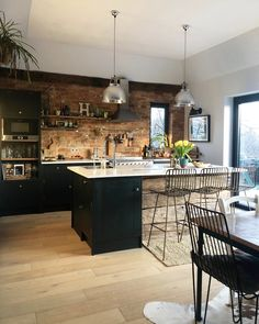 Kitchen Inspirations, decor ideas for kitchens, kitchen layout, farmhouse kitchen decorations, dining room Cosy Kitchen, Open Plan Kitchen, Home Decor Kitchen, Interior Design Kitchen, Kitchen Ideas, Kitchen Inspiration, Kitchen Designs, Kitchen Hacks, Decorating Kitchen