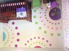 Polka dot wall mural with stencil. Super easy. Girls riom