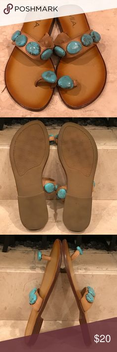 Mia toe strap flip flop thong sandals Like brand new very cute and comfortable MIA Shoes Flats & Loafers