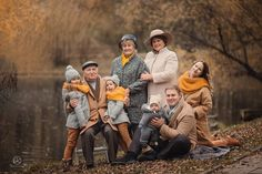 70 ideas photography ideas autumn family for 2019 Large Family Portraits, Family Potrait, Large Family Photos, Fall Portraits, Fall Family Pictures, Family Picture Poses, Family Picture Outfits, Family Photo Sessions, Family Posing