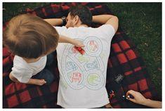 名案! 大人の「眠りたい」と子どもの「遊びたい」を同時に叶えてくれるTシャツ | roomie(ルーミー)