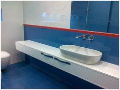 Elen meble i piękna, niebieska łazienka. #home #inspirations