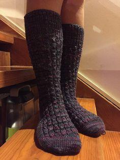 Aunty E's Mock Rib socks by Cathy Jones (free Ravelry knitting pattern)
