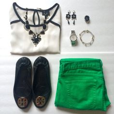 """HPx2 Black Statement Necklace Super shiny and a good weight. Gold base. Pair with a black and white outfit with a pop of color!  NWOT. Host Pick for """"Flawless Style"""" party on 2/9 and """"Laid Back Glam"""" party on 3/17 Jewelry Necklaces"""