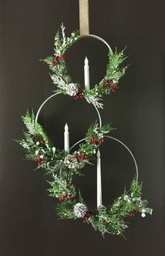 diy wreath ivy Welcome to Consumer Crafts! Rustic Christmas, Christmas Art, Christmas Projects, Christmas Holidays, Christmas Ornaments, Christmas Candles, Christmas 2019, Holiday Wreaths, Christmas Wreaths For Windows