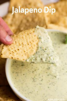 The most amazing Jalapeno Dip ever, creamy with a bite and you can never eat eno… – Gesundes Abendessen, Vegetarische Rezepte, Vegane Desserts, Yummy Appetizers, Appetizer Recipes, Appetizer Party, Appetizer Dips, Party Dip Recipes, Party Dips, Summer Snacks, Summer Party Foods, Tzatziki