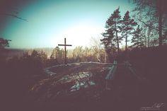 Onkos kukaan käynyt katsomassa miltä Aroniityn metsäkirkko näyttää lumipeitteen alla? Aroniityn metsäkirkko Kiskossa on paikka jossa voi hiljentyä luonnon helmassa. http://www.naejakoe.fi/nahtavyydet/aroniityn-metsakirkko/