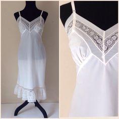 Vintage Lingerie / Ladies Slip / Vintage Slip / White / Underwear / Nylon / Lace Slip / 60's Lingerie / Ruffled Hem