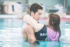 Nam Joo Hyuk as Jun Jung Hyung in Weightlifting Fairy Kim Bok Joo Nam Joo Hyuk Abs, Weightlifting Kim Bok Joo, Weighlifting Fairy Kim Bok Joo, Joon Hyung, Kim Book, Swag Couples, Nam Joohyuk, Park Bo Gum, Lee Sung Kyung