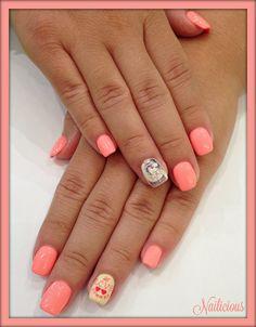 Peachy coral nails