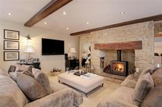 Living Room Decor Cozy, Cottage Living Rooms, My Living Room, Living Room Interior, Home And Living, Cosy Interior, Country Lounge, Log Burner Living Room, Country Cottage Interiors