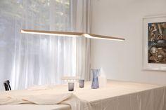 De sierlijke Swan hanglamp van Tunto. NU te bewonderen bij Ottevangers Lichtdesign