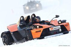 Der X-Bow ist ein #sportwagen mit purer Mechanik statt anfälliger Elektronik. Schnapp Dir den heißesten Flitzer des Winters und fräse auf Spikes durch die Kurven! #winter #sport #wintersport #action #adrenalin #spaß