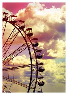 Ferris wheel against pastel sky Fun Park, Farris Wheel, Trois Crayons, Carnival Rides, Pretty Pastel, Pics Art, Summertime, Art Photography, Carnival Photography