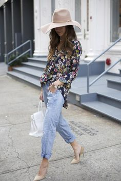 Floral blouse + big floppy hat + nude shoes