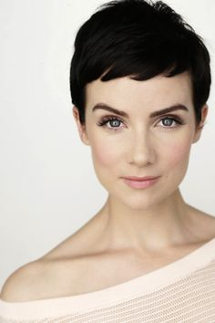 GORGEOUS make-up so fresh and pretty!  Great pixie cut!