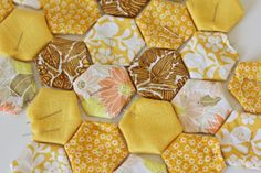see kate sew: vintage hexies: a hexagon tutorial! ....oh how i aspire to make a quilt some day :(