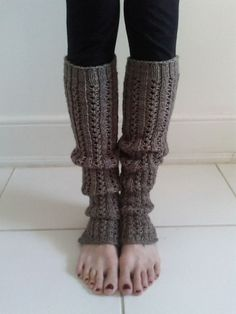 Knitting Patterns Leg Warmers Free on Ravelry: Sadler's Wells pattern by Ella Austin Crochet Boot Cuffs, Crochet Leg Warmers, Crochet Boots, Knit Or Crochet, Loom Knitting, Knitting Socks, Knitting Patterns Free, Free Knitting, Knitting Stitches