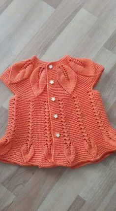 Discover thousands of images about Bunu beğendiğim [] # Pin was discovered by NeşÖegü Örgü [] # &lIt is a very nice vest model to keep your baby warm. Knit Baby Dress, Knitted Baby Cardigan, Baby Pullover, Knitted Baby Clothes, Baby Dress Patterns, Baby Knitting Patterns, Knitting Designs, Knitting Ideas, Vest Pattern