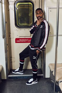 PUMA's global brand ambassador Big Sean helps introduce the new SUPERPUMA Pack inspired by hip-hop style in the Detailed look here: Hip Hop Fashion, Fashion Moda, Urban Fashion, Mens Fashion, Hip Hop Look, Style Hip Hop, Style Année 70, Mode Style, Sneaker Outfits