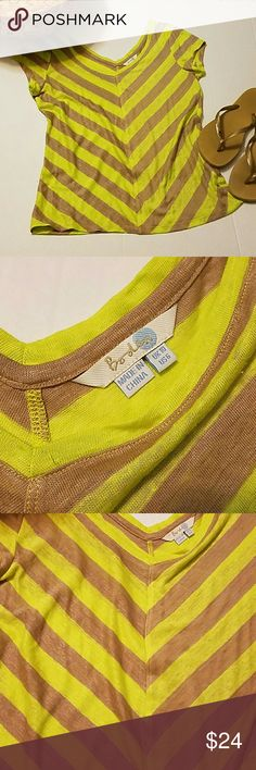 Boden Mariella linen tee Size US 6. Tank and neon yellow. Excellent condition. Wide v-neck. Boden Tops Tees - Short Sleeve