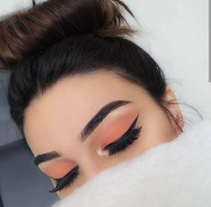 Microblading: The new technology for perfect eyebrows. Discover this ne . - Make Up & Beauty - Eye Makeup Makeup Eye Looks, Makeup For Green Eyes, Cute Makeup, Gorgeous Makeup, Skin Makeup, Eyeshadow Makeup, Drugstore Makeup, Eyeshadows, Peach Eye Makeup
