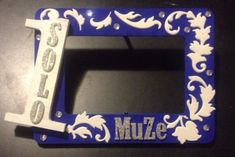 Simple DIY gift for new member of Zeta Phi Beta Sorority, Inc. Greek Crafts, Diy And Crafts, Arts And Crafts, Zeta Phi Beta, Lil Sis, Easy Diy Gifts, Sorority Crafts, Pretty Kitty, Paddles