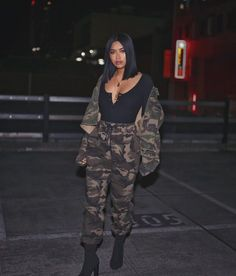 'Your life should consist of making yourself happy before giving your laughter away to someone else' (full outfit: Camo Outfits, Chill Outfits, Trendy Outfits, Fashion Outfits, Womens Fashion, Fashion Killa, Look Fashion, Fashion Models, Urban Fashion