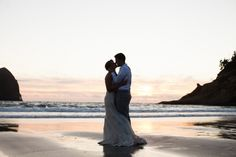 Oregon wedding photographer, oregon wedding photographer, Wedding posing, posing, beach wedding, wedding dress, strapless wedding dress, summer wedding, pacific city wedding, oregon beach wedding