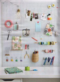 baladeuse sachets perles panneaux perforés - French By Design