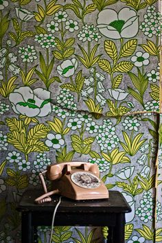 wallpaper. yellow green grey blooms