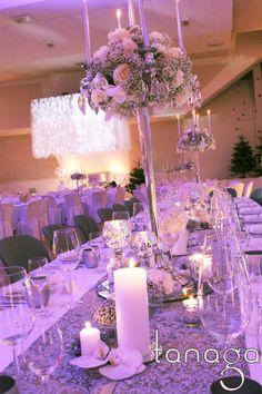 Décoration de #table #mariage hiver #winter #wedding, mirroir cristal et dimant, bougeoirs argent vieilli par #Tanaga ambiance designer