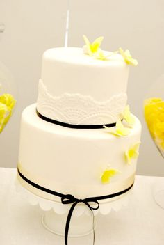Yellow Butterflies on White Cake..THIS WILL BE MY CAKE!!!!!!!!