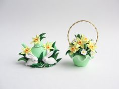 Miniature Easter basket and teapot in polymer clay by Fizzy