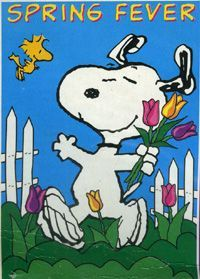Spring Fever - Snoopy and Woodstock Dancing on the Lawn With Snoopy Holding a Bouquet of Flowers and Woodstock Flying Nearby Peanuts Cartoon, Peanuts Snoopy, Snoopy Cartoon, Snoopy Comics, Peanuts Comics, Happy Spring, Hello Spring, Charlie Brown Und Snoopy, Snoopy Und Woodstock
