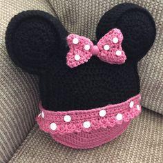 Hecho a la medida de la almohada de ganchillo Minnie Mouse inspirado icono mouse orejas sacudida almohada almohada