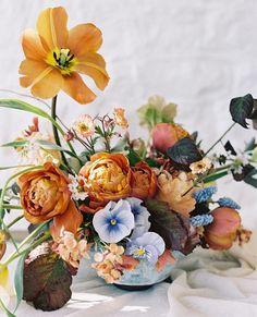 Flowers and colour scheme Flower Centerpieces, Wedding Centerpieces, Floral Wedding, Wedding Flowers, Grand Art, Vase Arrangements, Floral Photography, Floral Watercolor, Flower Power
