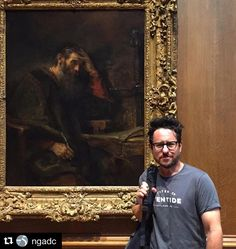 "Deja que el arte te inspire y que te lleve de la mano #Repost @ngadc  The art of Star Wars: American film director J.J. Abrams spent this afternoon at the Gallery enjoying a few Dutch paintings including this portrait by Rembrandt""The Apostle Paul"" c. 1657. Captured by Gallery publicist Isabella Bulkeley (@ibulkeley). #myngadc #art #museum #starwars #jjabrams"