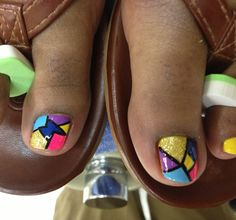 Kaleidoscope nail design - I hate feet/looking at feet, but I love this design!