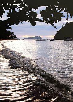 Sunset at Corong-Corong beach, El Nido, Palawan by currystrumpet, via Flickr #travel #beach #philippines