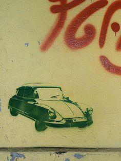 Citroen DS street art wall stencil • Citroen DS
