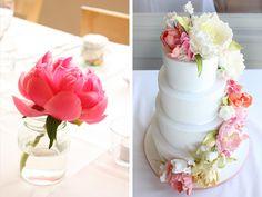 CakeInk's gorgeous wedding cake to match bride's bouquet. L-O-V-E!!