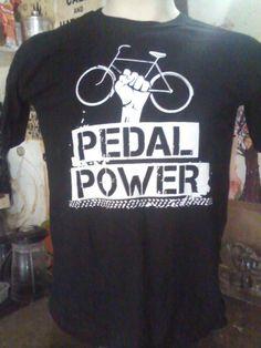 """Pedal Power R$ 20,00 + frete Todas as cores Personalizamos e estampamos a sua ideia: imagem, frase ou logo preferido. Arte final. Telas sob encomenda. Estampas de/em camisas masculinas e femininas (e outros materiais). Fornecemos as camisas ou estampamos a sua própria. Envie a sua ideia ou escolha uma das """"nossas"""".... Blog: http://knupsilk.blogspot.com.br/ Pagina facebook: https://www.facebook.com/pages/KnupSilk-EstampariaSerigrafia/827832813899935?pnref=lhc https://twitter.com/KnupSilk"""