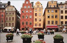 Stockholm, Sweden    Åh min Jisses jag önskar att jag kan bo där och gå ner på gatan varje dag *--*
