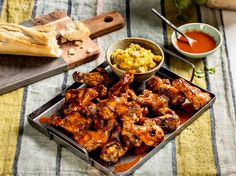 Tapas, Tandoori Chicken, Chicken Wings, Poultry, Baguette, Bbq, Ethnic Recipes, Food, Party