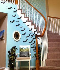 20 Spooktacular DIY Halloween Decorations: Flying Paper Bats